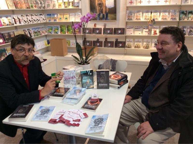 Hubert Michelis (rechts) auf der Leipziger Buchmesse 2019