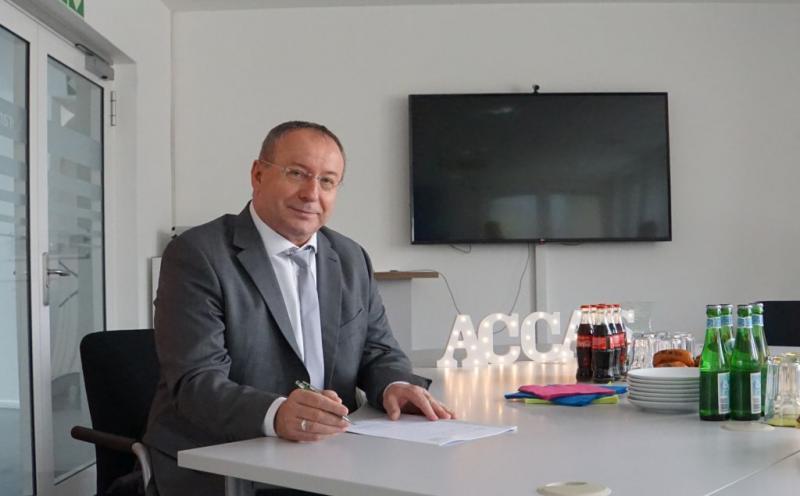 Janusz Cisowski hat unterschieben - Mitgliedschaft in der ACCAS-Group ist besiegelt